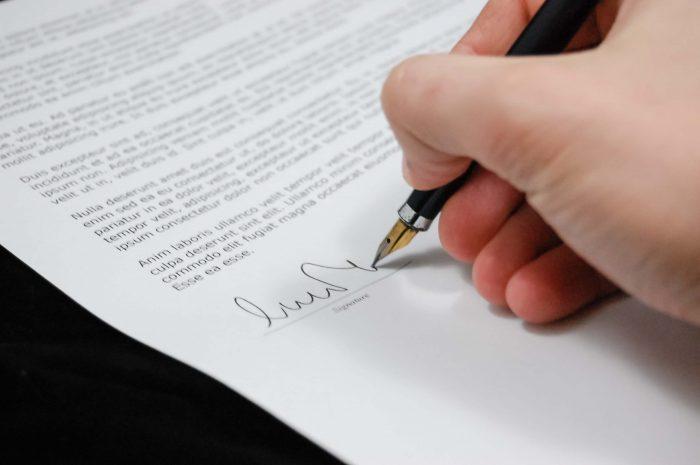 Teken eventueel écht een contract met jezelf, als dat je helpt