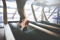 Misschien kun jij keihard rennen op zo'n loopband, je gaat toch echt nergens heen (maar het kost je wel veel energie)